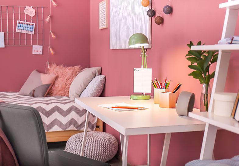 Desk for arts & crafts